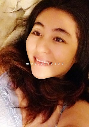 Lorline lovesita massage
