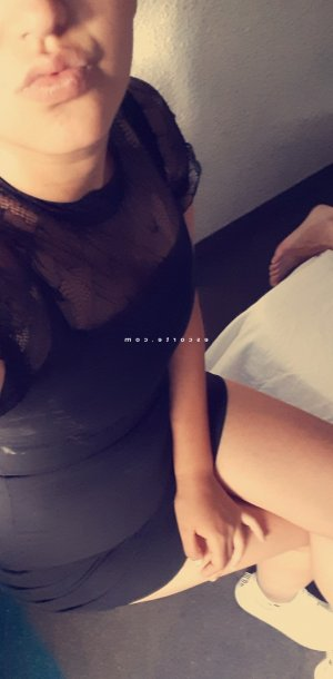 Felicie escort girl massage tantrique
