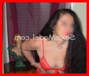 Aliana massage escorte